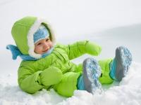Как одеть ребенка зимой на прогулку - консультация для родителей